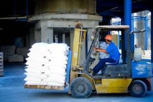 Las industrias de mediano y gran tamaño, procesan la mayoría de los bienes, tecnológicos, alimenticios o destinados a otras industrias.
