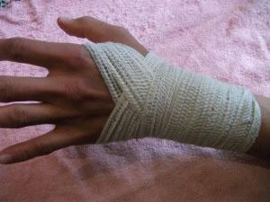 Se usan en diversas lesiones, como torceduras, fracturas, esguinces, golpes y afecciones venosas entre otras.