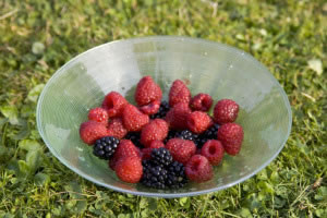 Plato de frutas jugosas