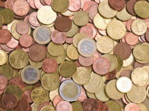 El dinero metálico o monedas, siguen utilizándose hasta la actualidad.
