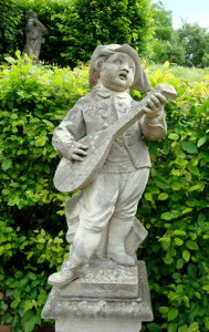Escultura barroca rococó, niños tocando arpa.