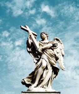 Escultura del Arcángel David