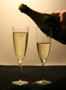 Dos copas de vino espumoso, champagne.