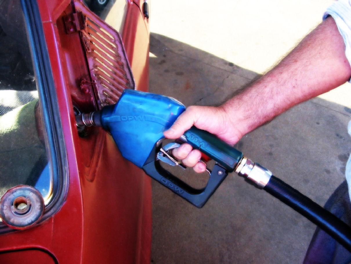 La tienta para la comprobación de la gasolina