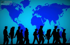 Personas simulando la migración mundial.