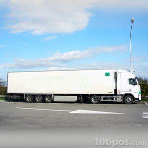 Furgón 60, conocido como trailer