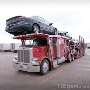Trailer de dos niveles con autos