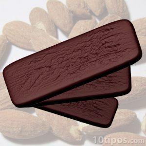 Barras de chocolate con almendras