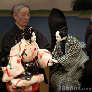 Títeres Bunraku típicos de Japón