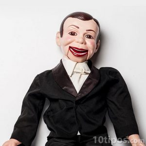 Títere de niño de ventriloquia