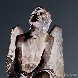 Estatua de angel llorando