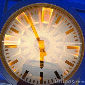 Reloj de manecillas