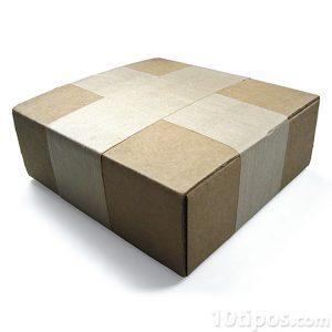 Caja de cartón cerrada
