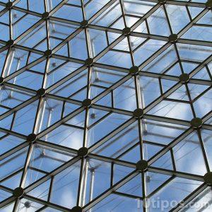 Estructura geodésica hecha de aluminio