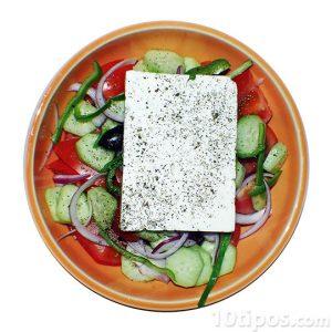 Ensalada griega con queso