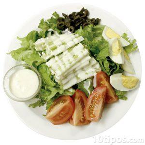 Ensalada con aderezo de mayonesa