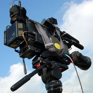 Video cámara sobre tripie