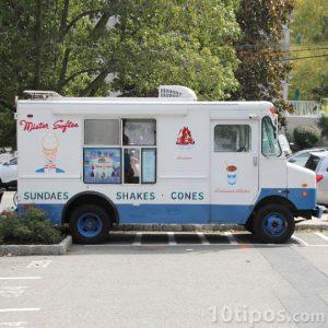 Camión que transporta helados