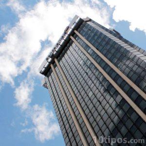 Edificio corporativo de muchos pisos