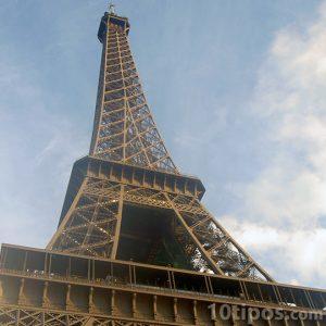 Torre ifel hecha de acero