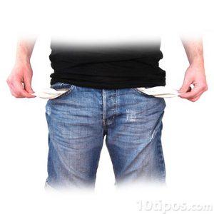 Persona sin dinero en los bolsillos