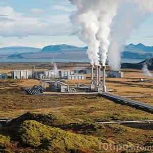 Planta geotérmica en funcionamiento