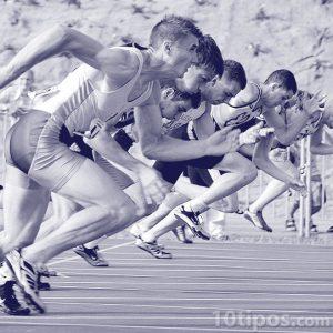 Inicio de la carrera con los competidores