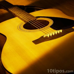 Instrumento musical hecho de madera