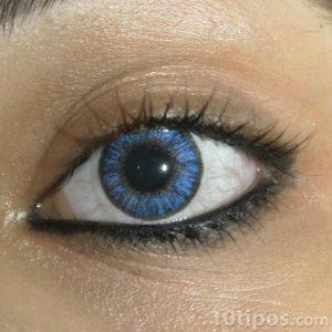 Pupilente de color azul