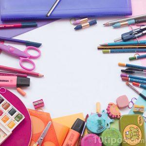 Variedad de artículos escolares