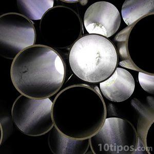 Tubos hechos de plástico