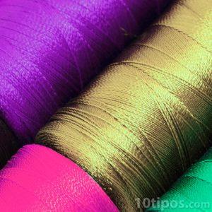 Nylon de diferentes colores