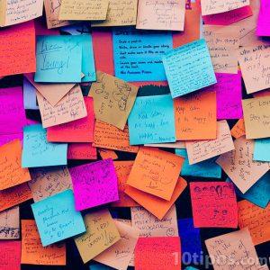 Notas adherirles de diferentes colores
