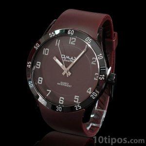 Reloj de marca con extensible de cuero