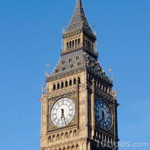 Reloj en torre