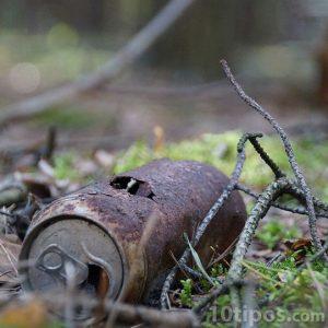 Bote de aluminio oxidado