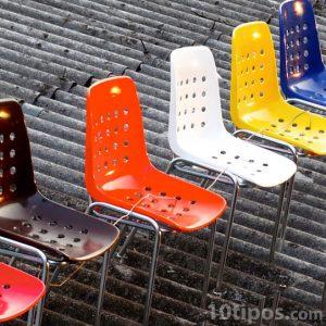 Sillas para niños de diferentes colores