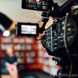 Filmación de un evento en biblioteca