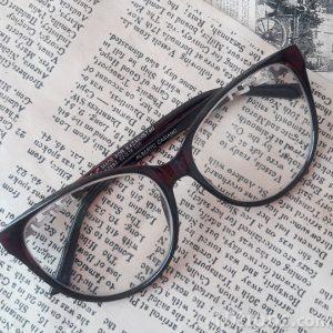 Lentes para lectura de color obscuro