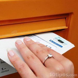 Enviando una carta por correo