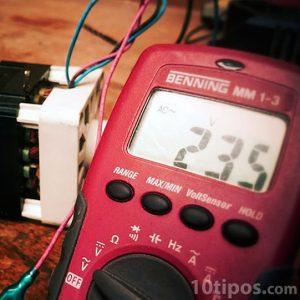 Medidor electrónico de corriente