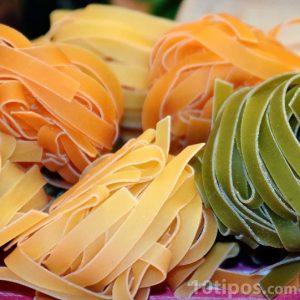 Pasta pre cocida de colores